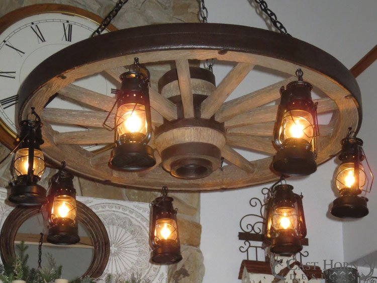 Large Wagon Wheel Chandelier With Lanterns Cast Horn Designs