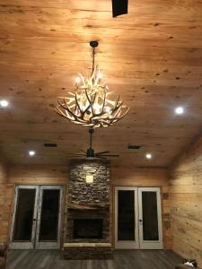mule deer antler lighting in cabin